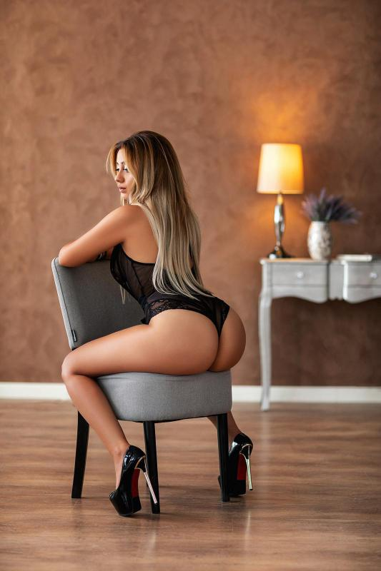 Escort Denisa for escort service in Schiphol